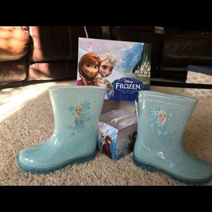 Disney's Frozen youth rain boots